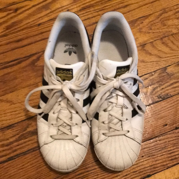 adidas superstar sneakers junior